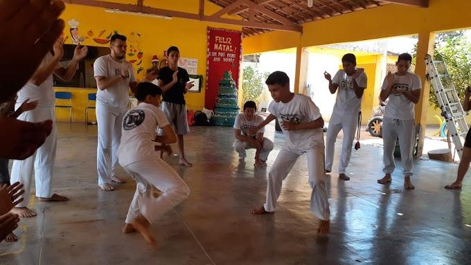 Com muita força de vontade jovens promovem o ensino de capoeira em Serrota. Conheça esse projeto!