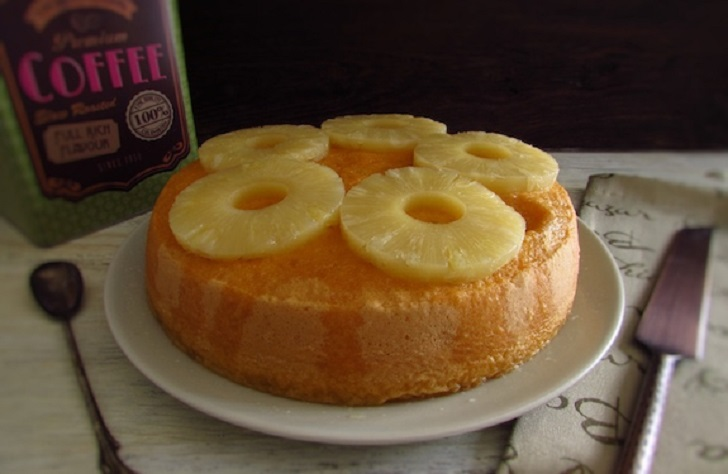 Fresh and delicious pineapple cake recipe