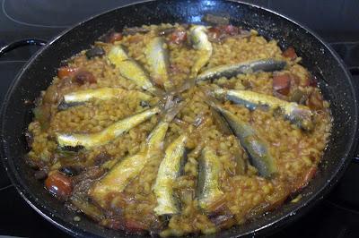 Arroz con sardinas.