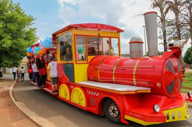Senador Canedo: Comemorando o Dia das Crianças município distribuiu brinquedos beneficiando mais de 10 bairros