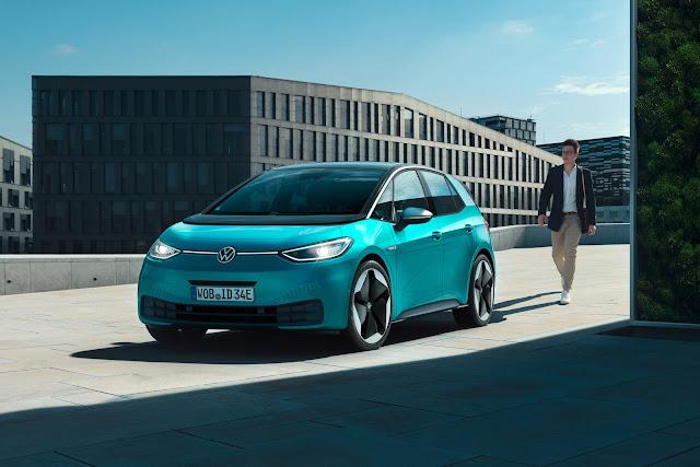 【設計】扁平化設計,為汽車品牌注入新視覺語彙 - 福斯的新廠徽跟著電動車 ID. 3 一同發佈