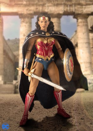 12 Collective Wonder Woman (Classic Edition) Exclusive 17cm action figure