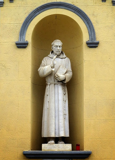 Statue of Saint Francis of Assisi by Cesare Tarrini, Livorno