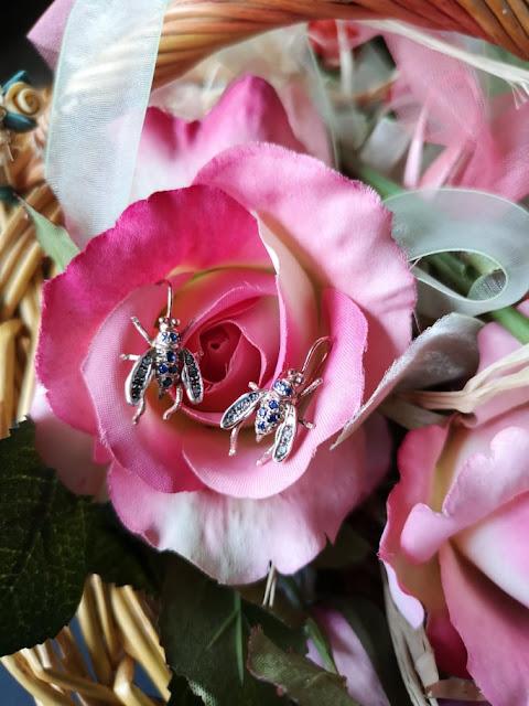 Orecchini vintage api oro e argento con zaffirini e diamantini