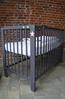mobilier-chambre-enfant-gris-fonce-etoile-nord-urlu-et-berlu