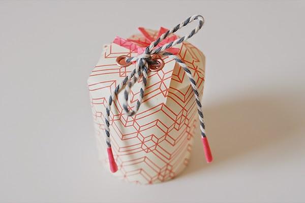 C mo hacer una caja de regalo con vasos desechables paso a for Como hacer cajas para regalos de boda
