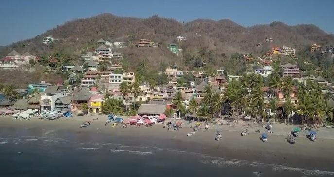 Playa La Manzanilla en Cruz de Huanacaxtle vista aerea