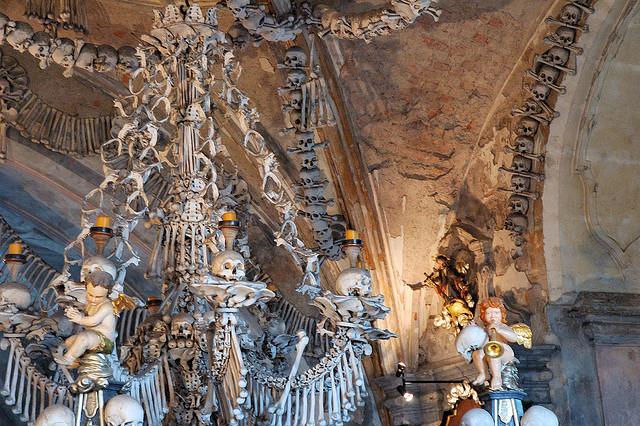 Image result for Sedlec Ossuary yang berada di Republik Chechnya