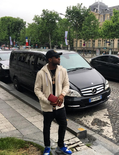 O.B.O! Davido's Girlfriend Go Shopping At Louis Vuitton Store In Paris France (See Photos)