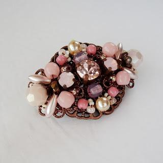 Vintage style jewelry, pink jewelry, #pink #brooch #vintage #rhinestone #pastel #sweet