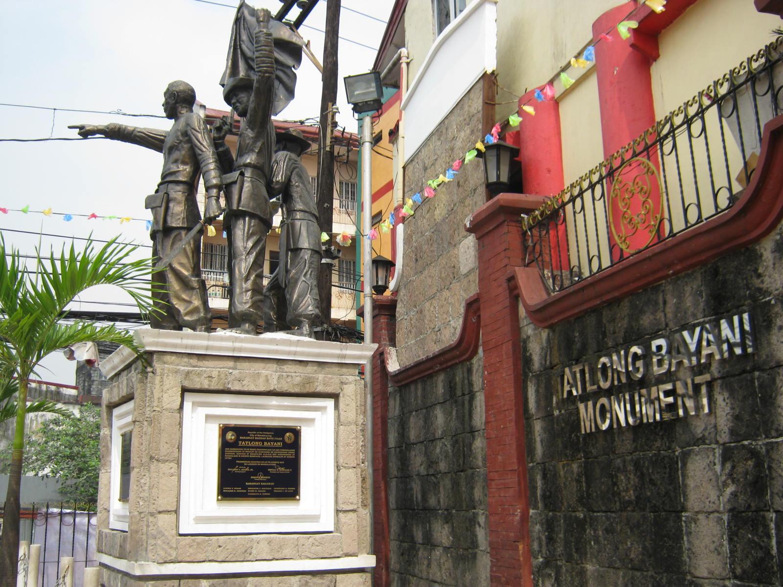 The Tatlong Bayani monument of Bonifacio, Gen. Kalentong, and Laureano Gonzales in Hagdang Bato (photo courtesy of Wazzup Pilipinas)