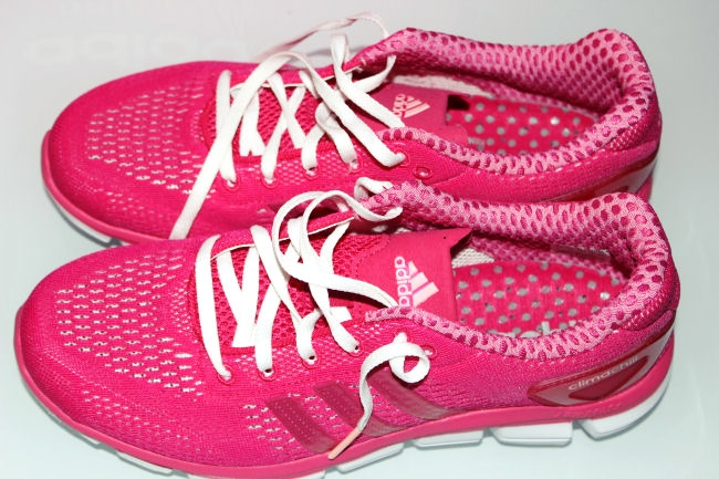 Adidas Climachill woman's running shoes in fuchsia color
