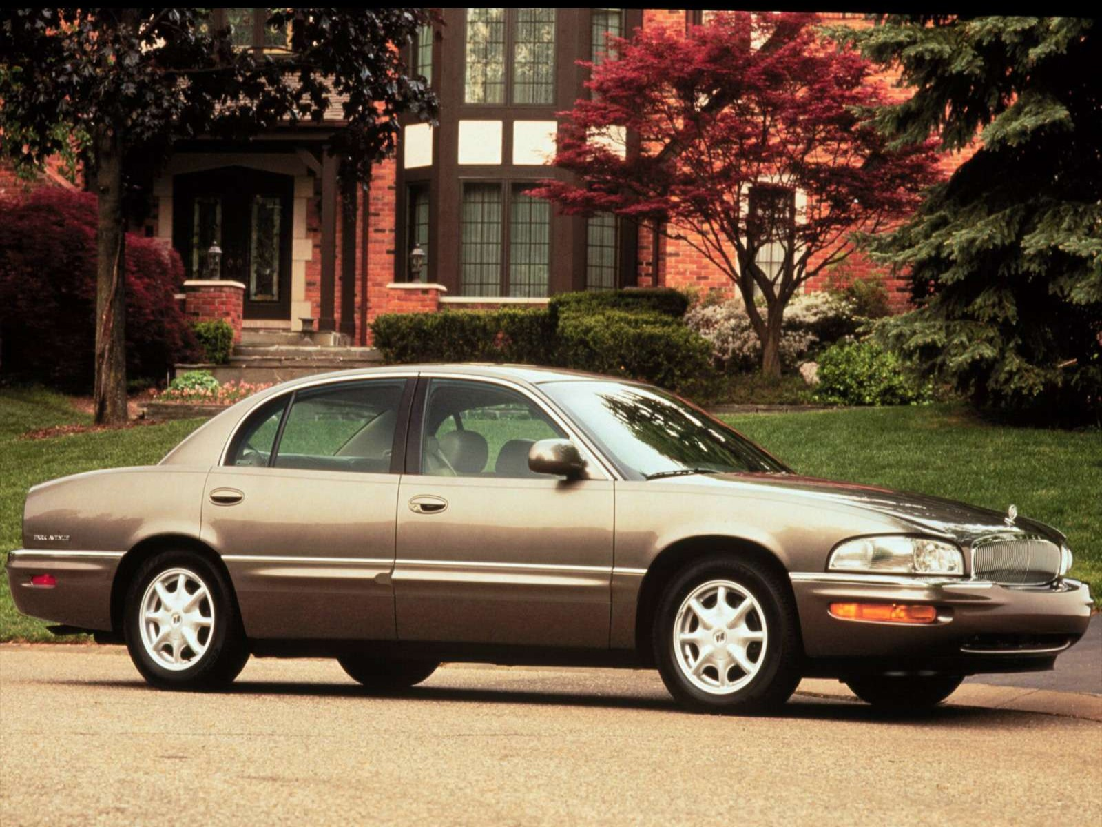 Buick Park Avenue on 2000 Buick Lesabre