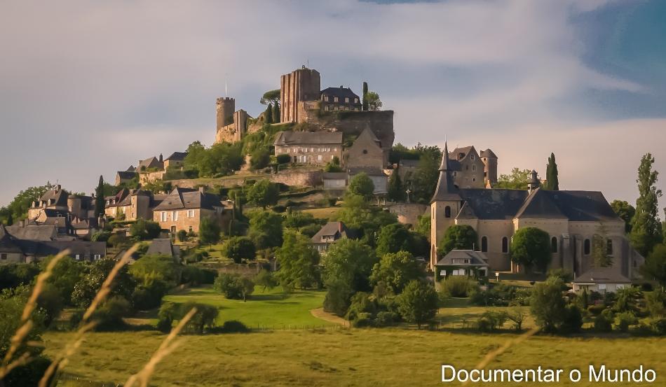 Turenne; Os 1001 châteaux do Vale da Dordonha