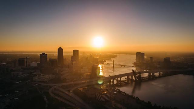 St John's River, Jacksonville: Photo by Lance Asper on Unsplash