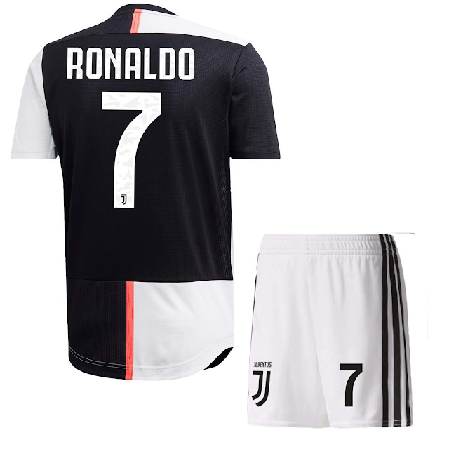 CR-7 Juventus Jersey with Shorts