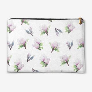 Kosmetichka s printom magnoliya na belom  | Inna Yakuskeva's blog