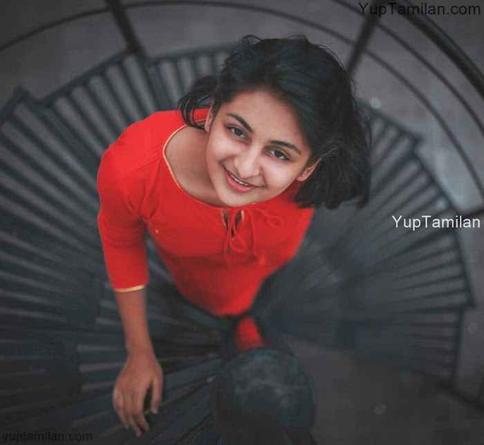 Esther Anil Hot Photos-Cute Pictures in HD