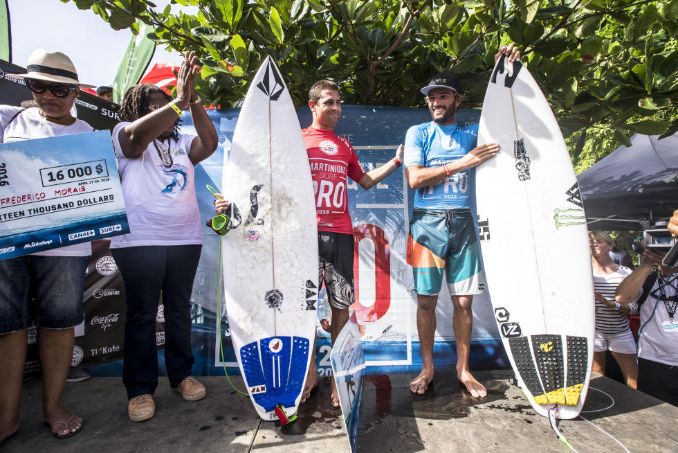 2 podium Martinique Surf Pro foto WSL Poullenot Aquashot