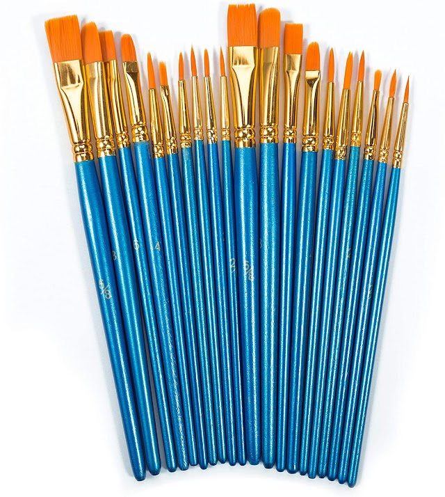 Paint brushes for acrylic painting
