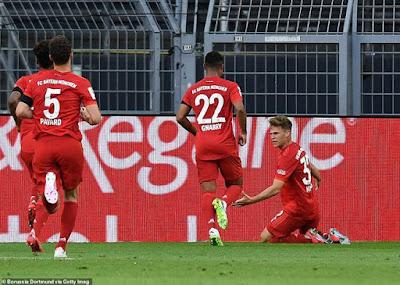 """""""Siêu kinh điển Đức"""": Haaland gặp hạn, dàn sao Bayern bắn phá kỷ lục 2"""
