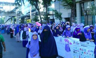 subhanallah, hari menutup aurat ribuan muslimah mengikuti long march di jakarta