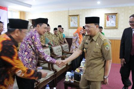 Plt Gubernur Bengkulu Rohidin Mersyah hadir dan menyampaikan progress upaya penurunan angka inflasi daerah.