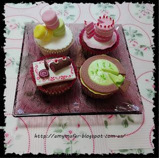 http://amymafer.blogspot.com.es/2017/05/cupcakes-de-pasteles-de-fondant.html