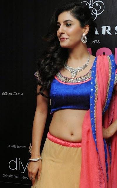 Actress Isha%2BTalwar Hot Navel Show Stills 45 - Malayalam Actress Isha Talwar Hot annuring naval showing Images collection