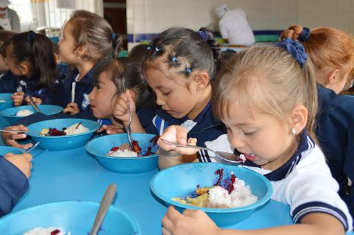 PRECOHIS indica lugares Nueva York  donde padres pueden procurar las tres comidas para sus hijos