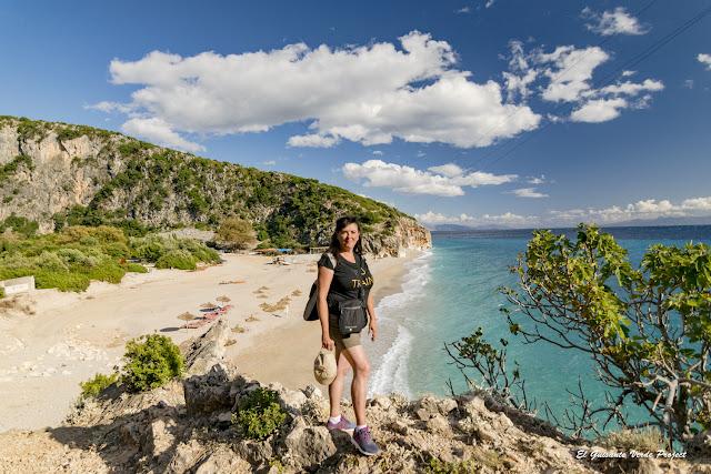Playa de Gjipe, vista desde el camino de rocas - Himara, Albania por El Guisante Verde Project