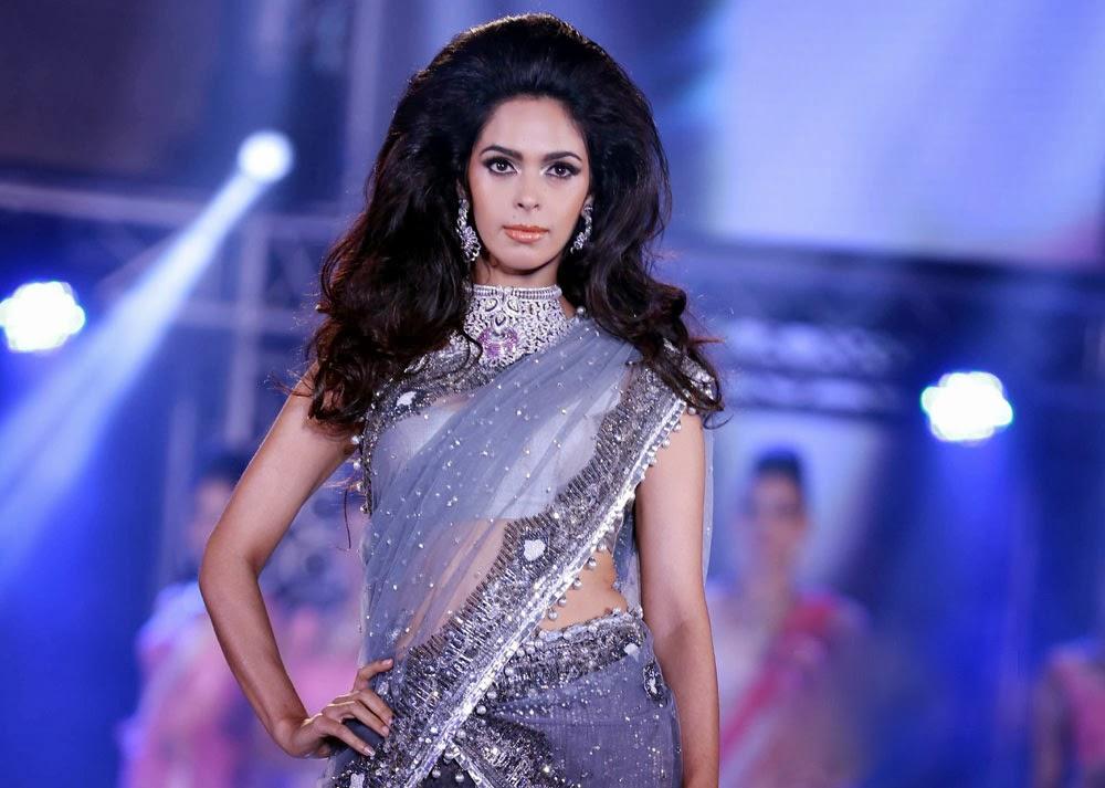 Mallika Sherawat navel, Mallika Sherawat saree photos, Mallika Sherawat ramp walk