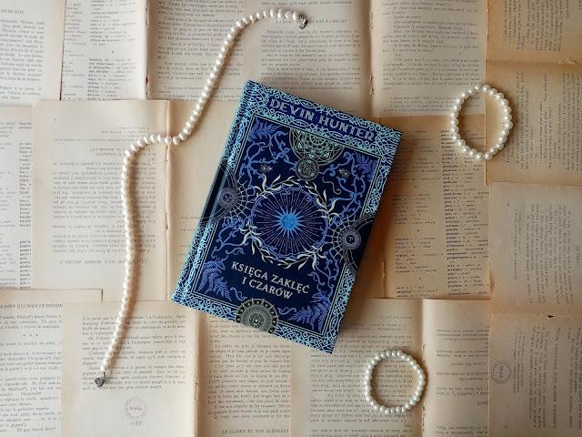 Księga zaklęć i czarów