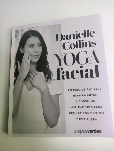 Libro Yoga facial de Danielle Collins