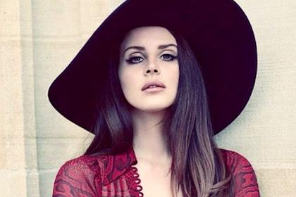 10+ Lagu Terbaik Lana Del Rey yang Bagus dan Enak Didengar