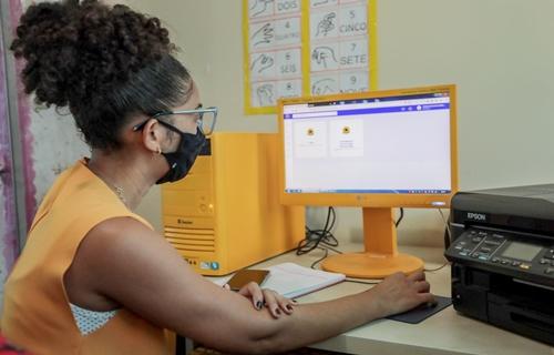 Prefeitura lança programa que orienta e avalia alfabetizadores