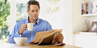 Suka membaca buku/koran