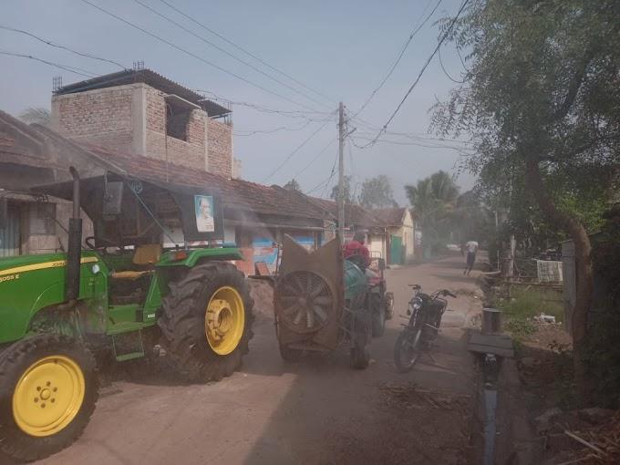 दत्तवाड तालुका शिरोळ येथील ग्रामपंचायतीच्या वतीने covid-19 पादुर्भाव रोखण्यासाठी दत्तवाडी ग्रामपंचायत च्या वतीने जंतुनाशक औषध फवारणी करण्यात आली