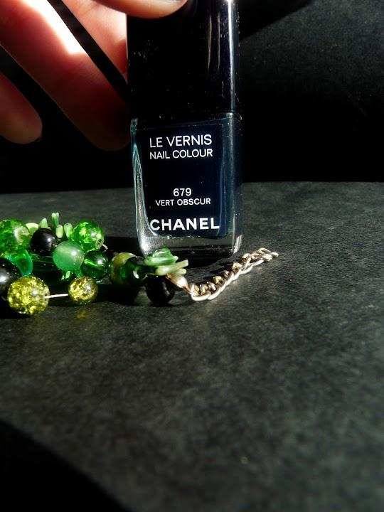 Chanel Le Vernis Vert Obscur 679