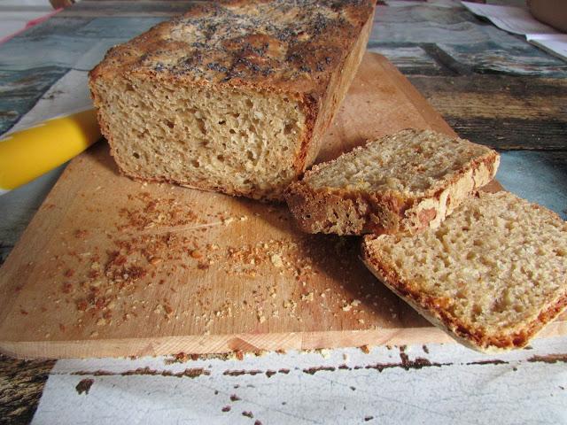 Chleb na zakwasie żytnim z drożdżami