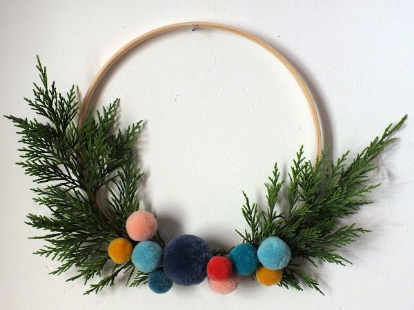 #Tuto Déco : Une couronne de Noël en pompons