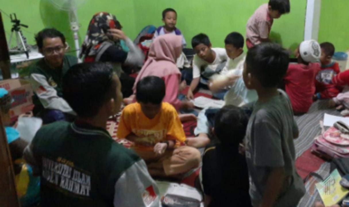 Di Desa Palaan, Mahasiswa Unira Malang Gagas Rumah Pintar Ramah Anak