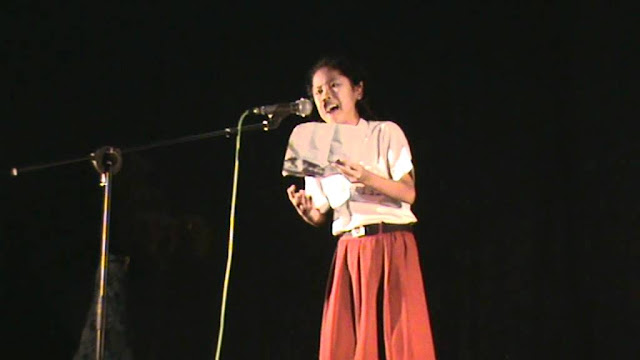 Berkut ini 3 Teknik Membaca Puisi yang Baik dan Benar