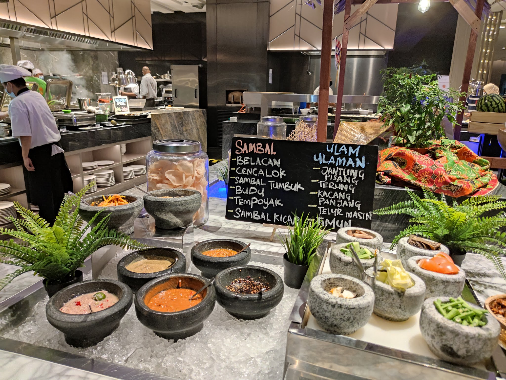 Buffet Ramadhan 2021 - Holiday Inn