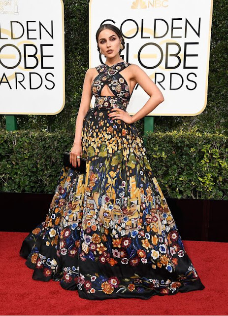 Olivia Culpo Wear a Floral Pattern Couture Gown At 2017 Golden Globes
