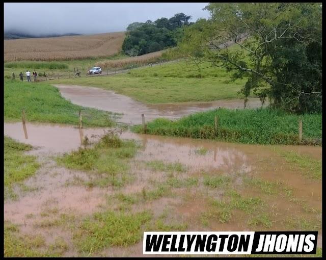 Tragédia: Família é arrastada por correnteza de rio em Faxinal e três filhos estão desaparecidos