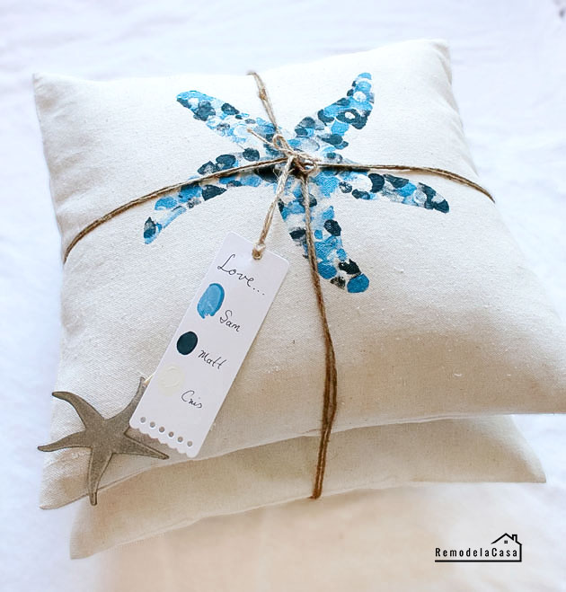 how to make an envelope pillow with Summer designs
