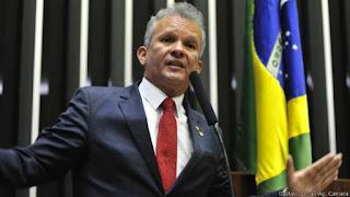 ANDRÉ FIGUEIREDO - DEPOIS DE QUASE DUAS MIL MORTES NO BRASIL,O POVO BRASILEIRO ASSISTE DISCURSO LAMENTÁVEL DO BOLSONARO