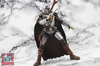 S.H. Figuarts The Mandalorian (Beskar Armor) 36