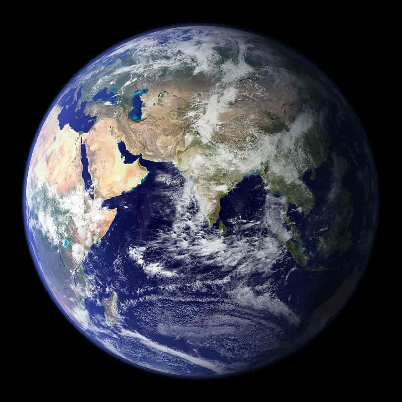 earth images and pictures, facts about the earth in hindi